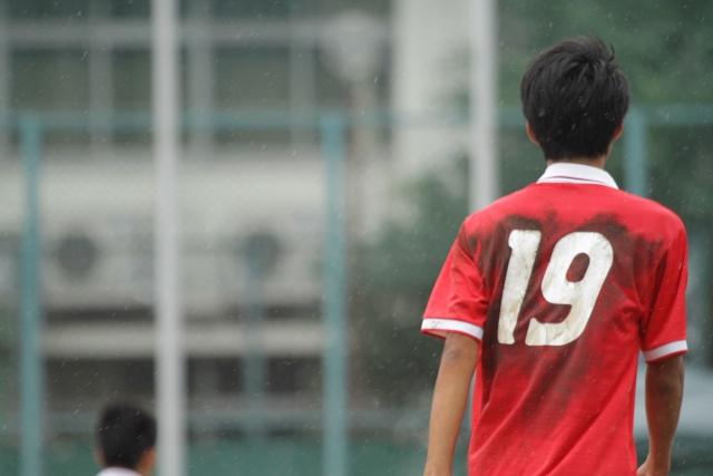 人生はまるでサッカーの競技のようなもので、個人戦であると同時に団体戦である。
